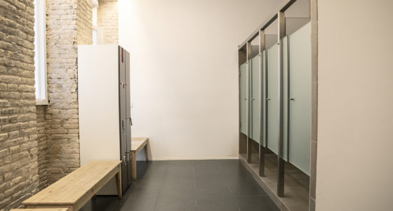 elestudio- vestuario-vestuarios-bikram-yoga-clase-estudio-studio-centro-center-valencia